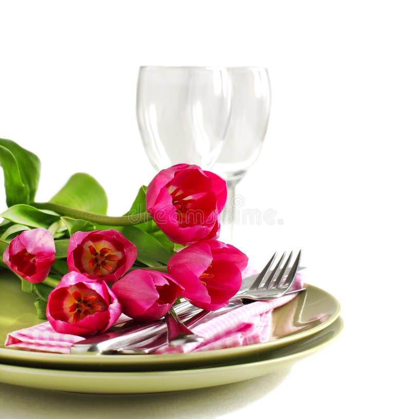 春天与郁金香的表设置 免版税库存图片