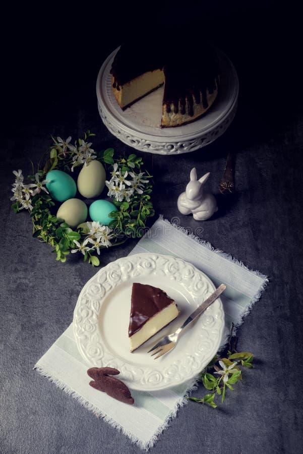 春天乳酪蛋糕用开心果 库存照片