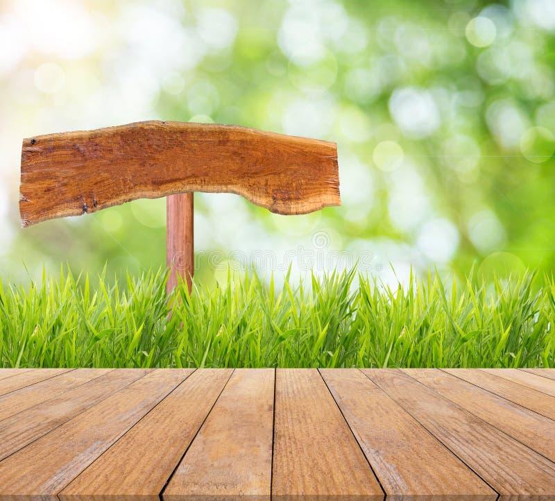 春天或夏天和摘要自然背景和木头地板 库存图片