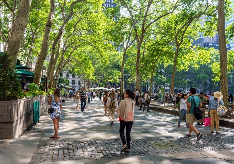 春天步行布耐恩特公园 免版税库存照片