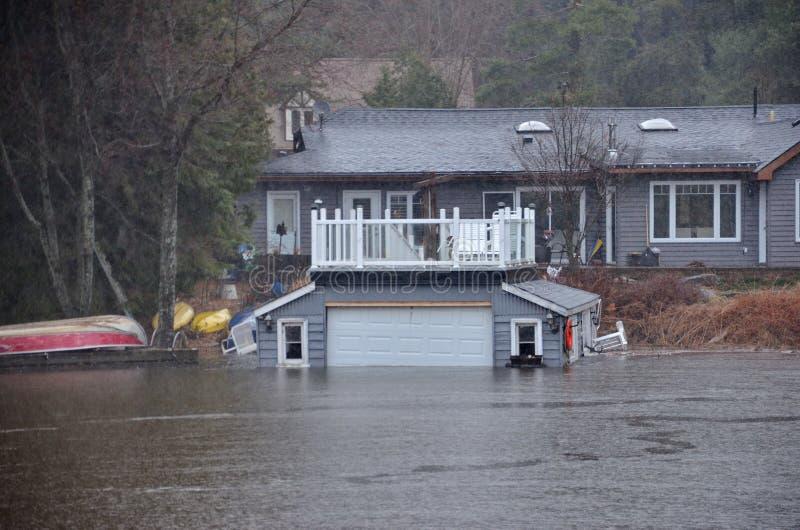 春天洪水在布雷斯布里奇,2019年 免版税库存图片
