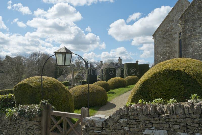 春天, Duntisbourne方丈教会, Cotswolds,英国 库存照片
