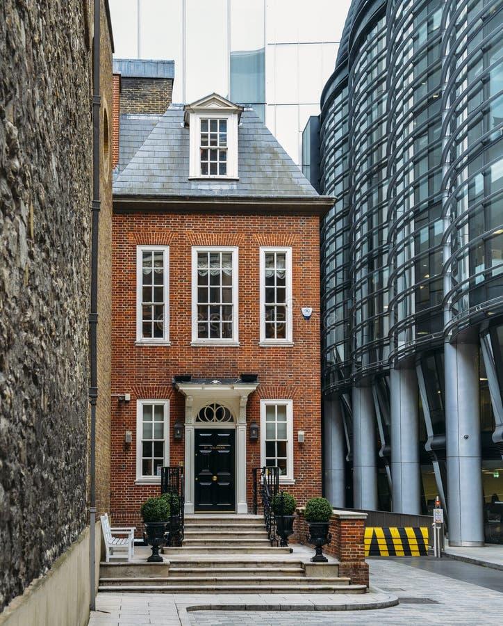 是社交和事务用餐俱乐部的Walbrook俱乐部在位于病区和豪宅附近的英格兰银行  免版税库存图片