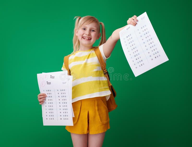 显示一个优秀成绩测试在几以后失败的女孩 库存图片