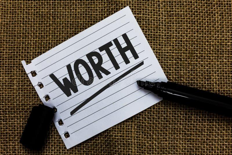 显示价值的文字笔记 个人和财政意义重要性想法的企业照片陈列的测量裱糊ma 免版税库存照片