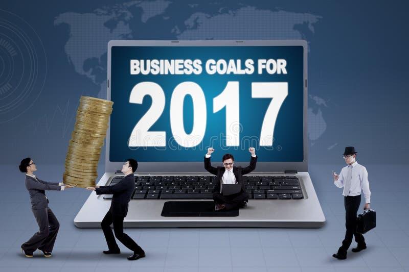 显示企业目标的文本膝上型计算机在2017年 免版税库存图片