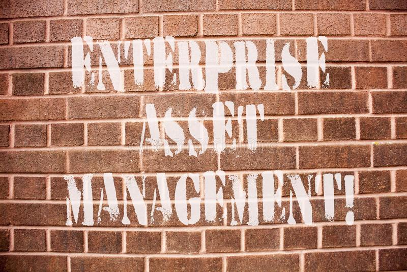 显示企业财产管理的文本标志 analysisaging实物资产的生命周期概念性照片 库存图片