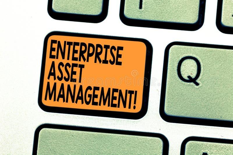 显示企业财产管理的文本标志 analysisaging实物资产键盘的生命周期概念性照片 图库摄影