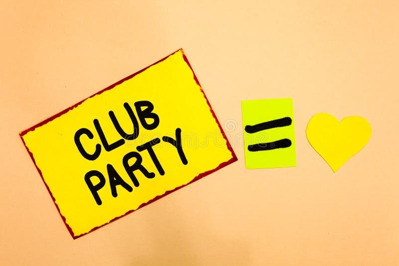 显示俱乐部党的概念性手文字 企业照片文本社会汇聚在是不拘形式的,并且可能有饮料Y的地方 免版税图库摄影