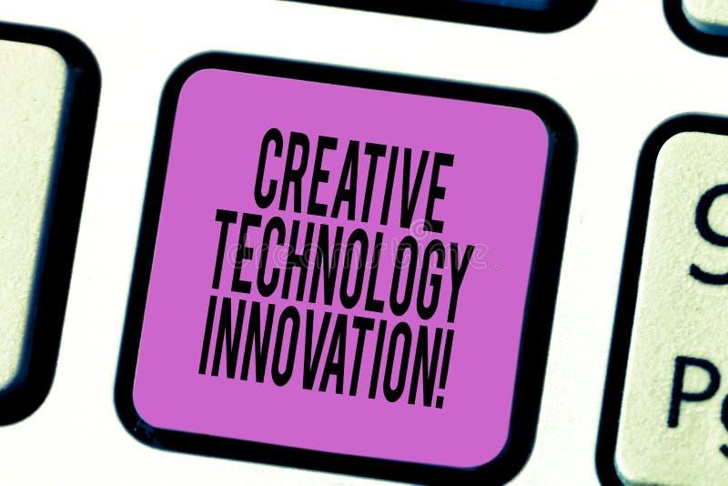 显示创新科技创新的文本标志 解开头脑的概念性照片设想新的想法键盘键 免版税库存图片