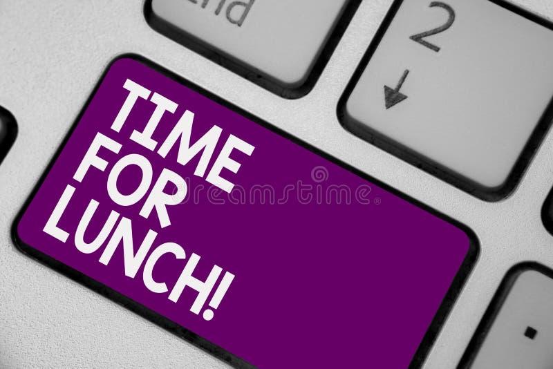 显示午餐的概念性手文字时刻 安排企业照片陈列的片刻从工作Relax的进餐休息吃饮料关于 免版税图库摄影