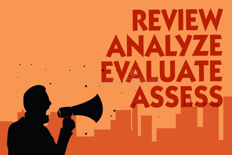 显示回顾的文本标志分析评估估计 表现反馈拿着megaphon的过程人的概念性照片评估 向量例证