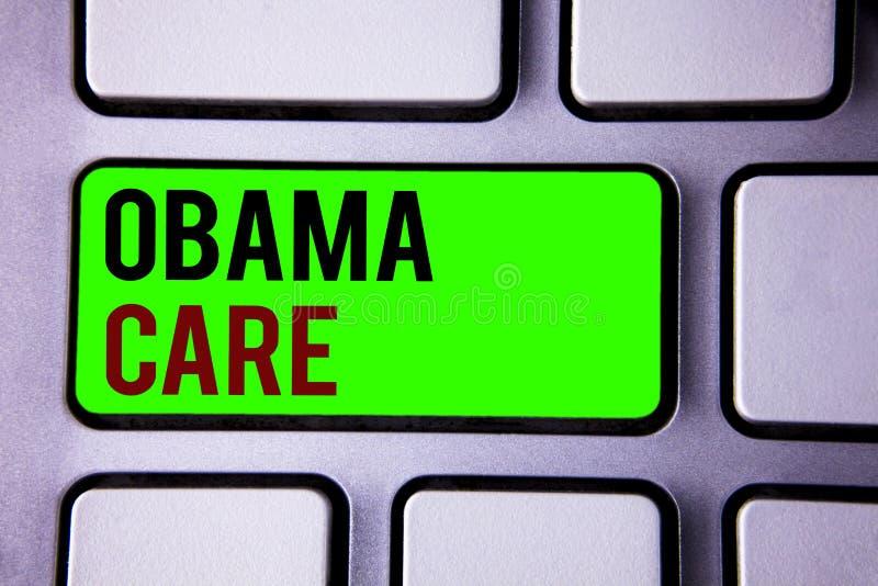 显示奥巴马关心的文本标志 保险系统患者保护概念性照片政府项目  免版税图库摄影