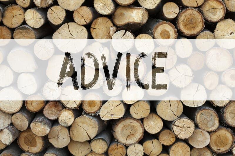 显示忠告建议教导概念的概念性公告文本说明启发企业概念写在木 免版税库存照片