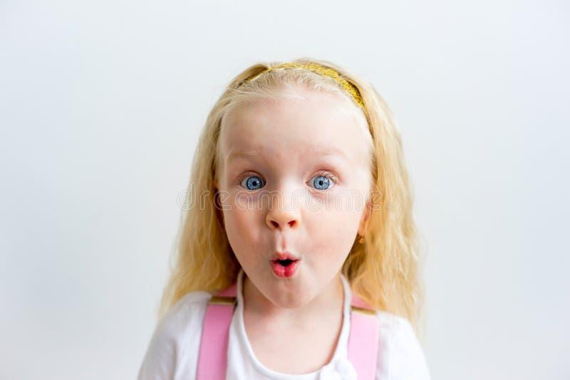 显示情感的女孩 免版税库存照片