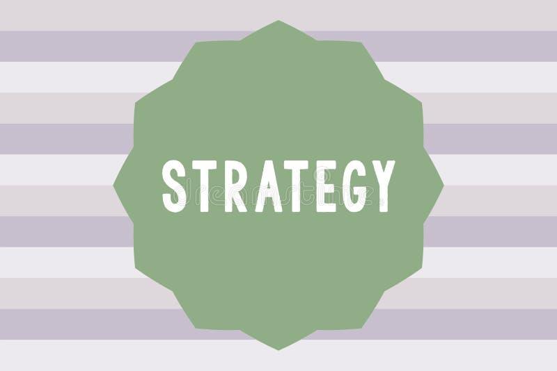 显示战略的文本标志 概念性照片行动计划设计达到长期或整体目标 库存例证