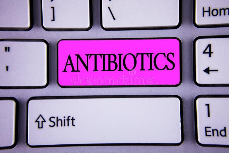 显示抗生素的文本标志 概念性照片在细菌感染的治疗和预防服麻醉剂使用 库存图片
