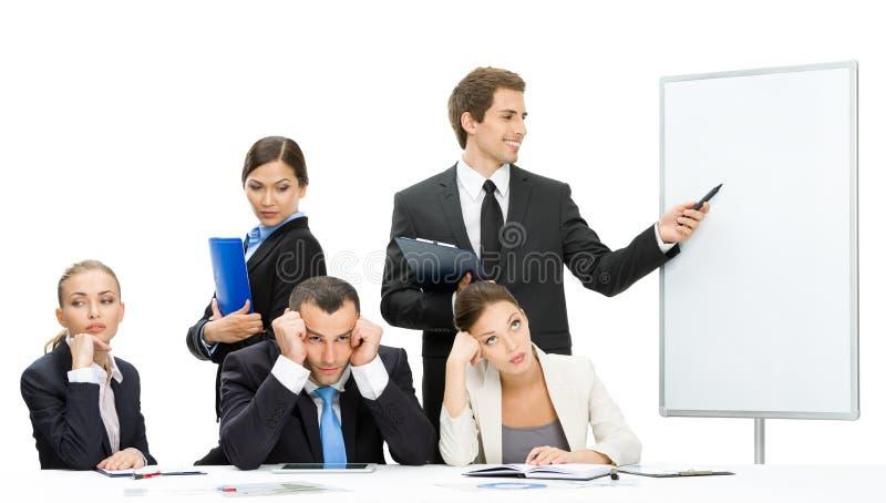 显示某事在屏幕上的经理对小组董事 免版税库存图片