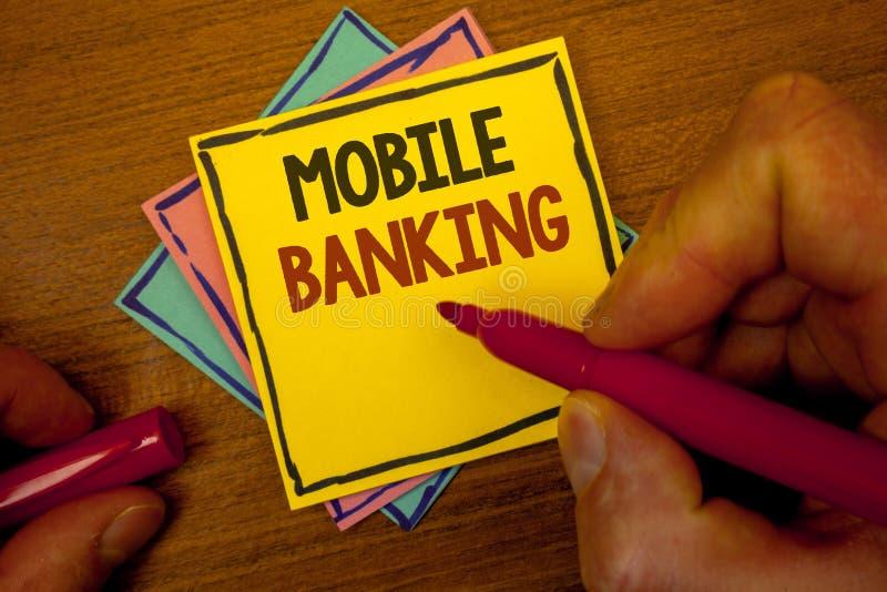 显示流动银行业务的概念性手文字 企业照片文本网上现款支付和交易真正银行文本颜色 图库摄影