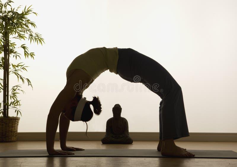 显示瑜伽 免版税图库摄影