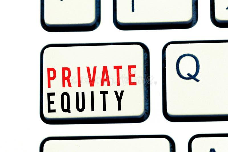 显示私有产权的文字笔记 不是列出的在公开交换投资的企业照片陈列的资本 免版税图库摄影
