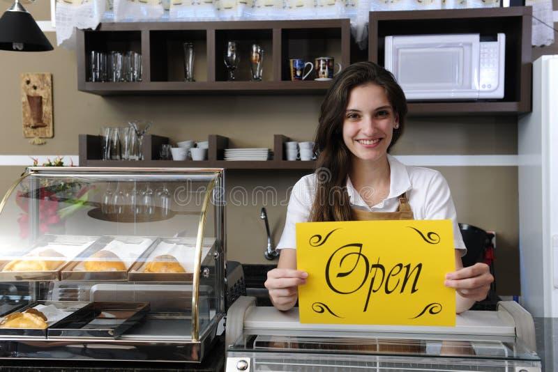 显示符号的咖啡馆愉快的开放责任人 库存照片
