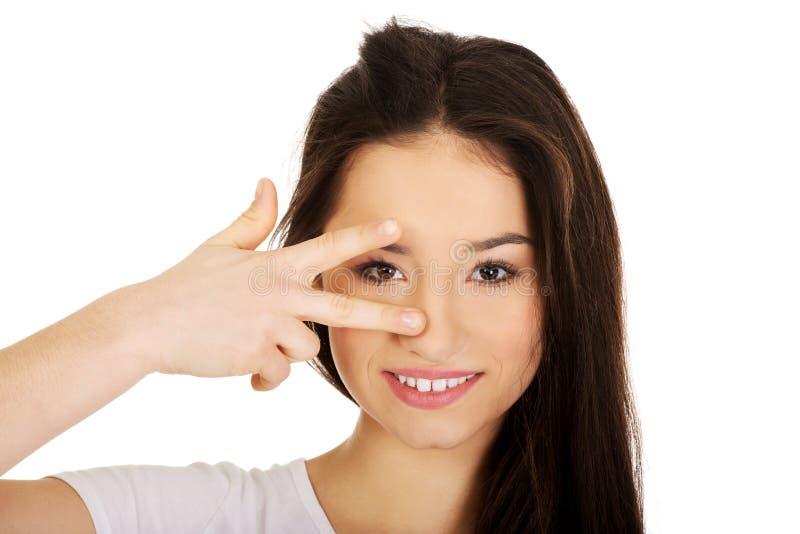 显示符号胜利妇女年轻人 库存照片
