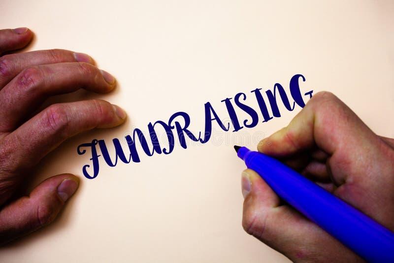显示筹款的概念性手文字 企业照片陈列的寻找财政支持慈善原因或enterpris 免版税库存照片