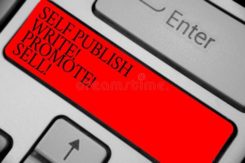 显示自已的文本标志出版写促进出售 概念性照片自动促进文字营销宣传键盘红色钥匙 免版税图库摄影