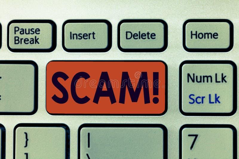 显示诈欺的文字笔记 陈列不诚实的计划欺骗的企业照片窃取某人金钱或信息 库存例证