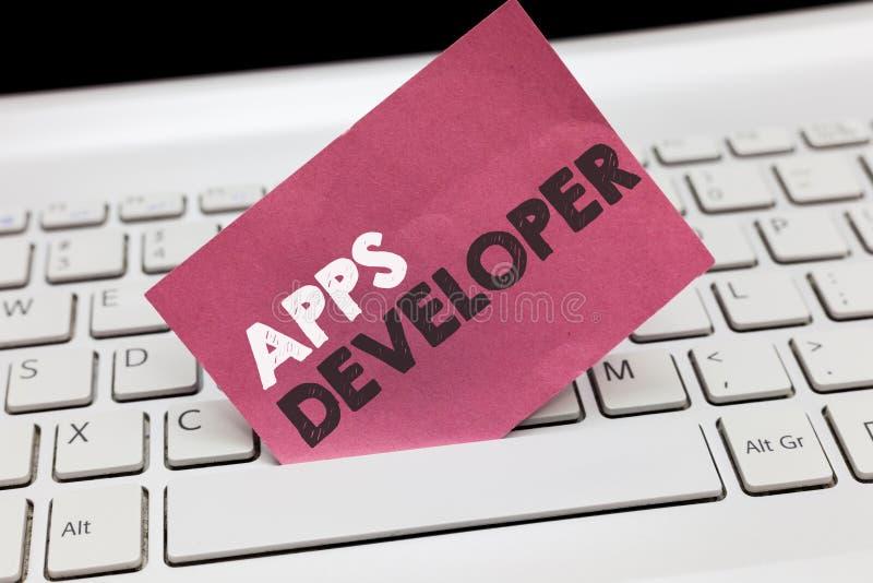 显示阿普斯开发商的概念性手文字 陈列形象艺术家软件程序员和分析家专家的企业照片 免版税库存图片