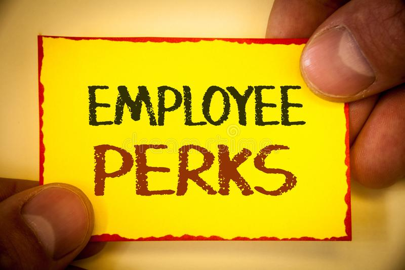 显示雇员津贴的文字笔记 企业照片陈列的工作者有益于奖金报偿奖励健康保险文本 免版税库存照片