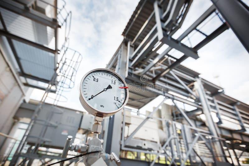 显示零的压力在气体,炼油工业的压力表或压力指示器 免版税库存图片