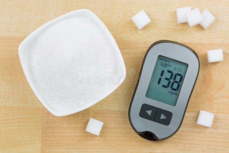 显示高血糖水平的血糖仪设备,其次 库存照片
