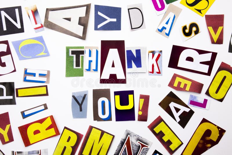 显示Thank的概念您,感谢的词文字文本由另外杂志报纸信件制成企业案件在wh 图库摄影