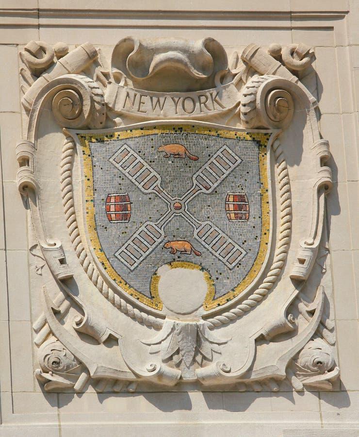 显耀的港口城市纽约马赛克盾门面的美国线巴拿马和平的线修造 库存图片