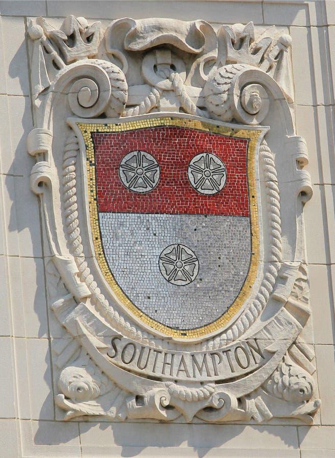 显耀的港口城市门面的南汉普顿马赛克盾美国线巴拿马和平的线修造 免版税库存照片
