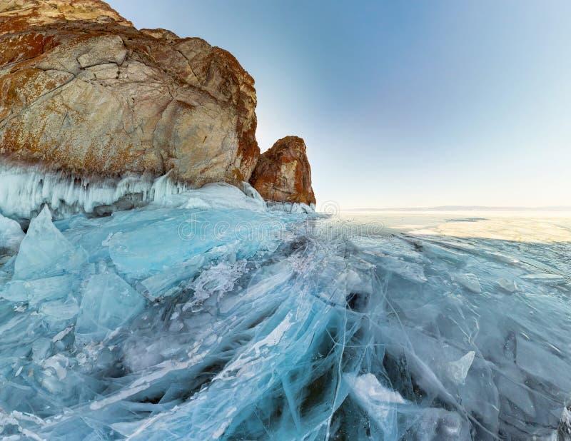 晃动在贝加尔湖, Olkhon海岛冰  全景风景,抽象 免版税库存图片