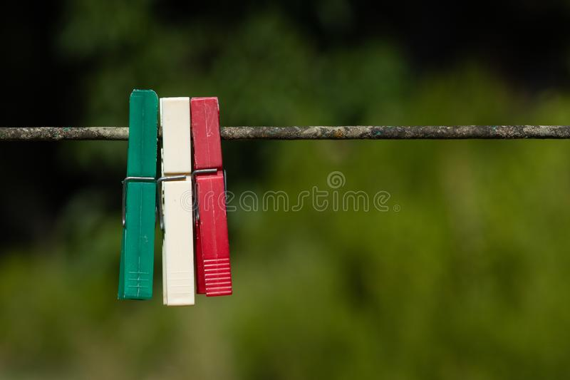 晒衣夹在意大利 免版税图库摄影