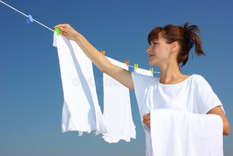 晒衣绳干燥洗衣店 库存照片