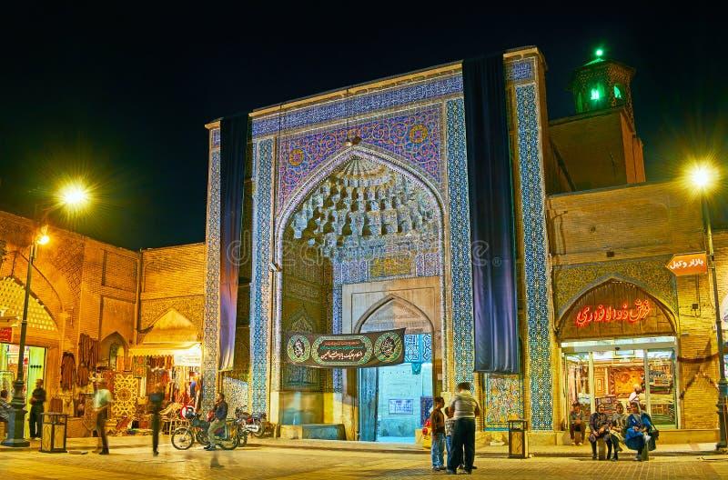 晚上市设拉子,伊朗 免版税图库摄影