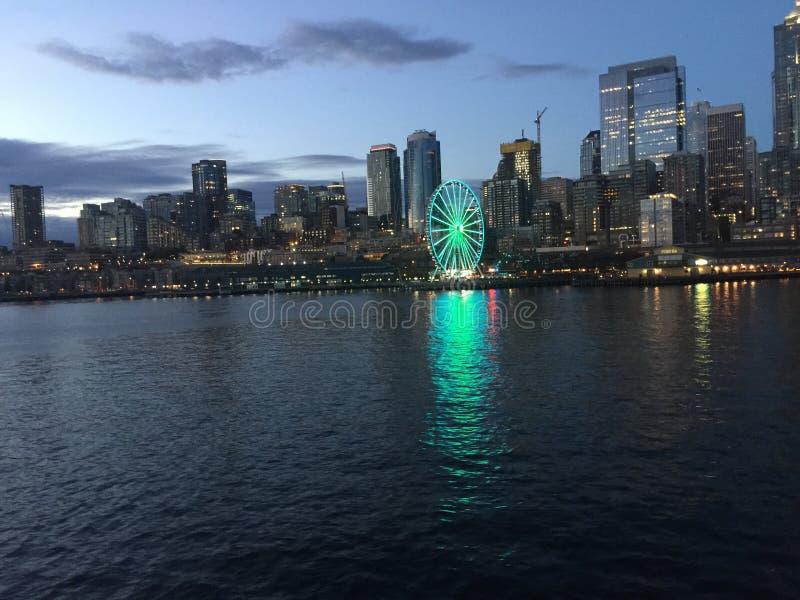 晚上西雅图 免版税图库摄影