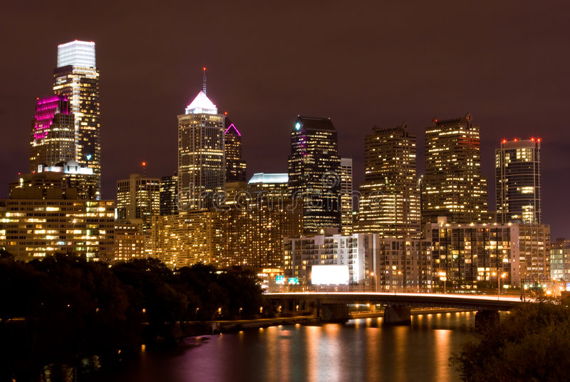 晚上费城地平线 免版税库存图片