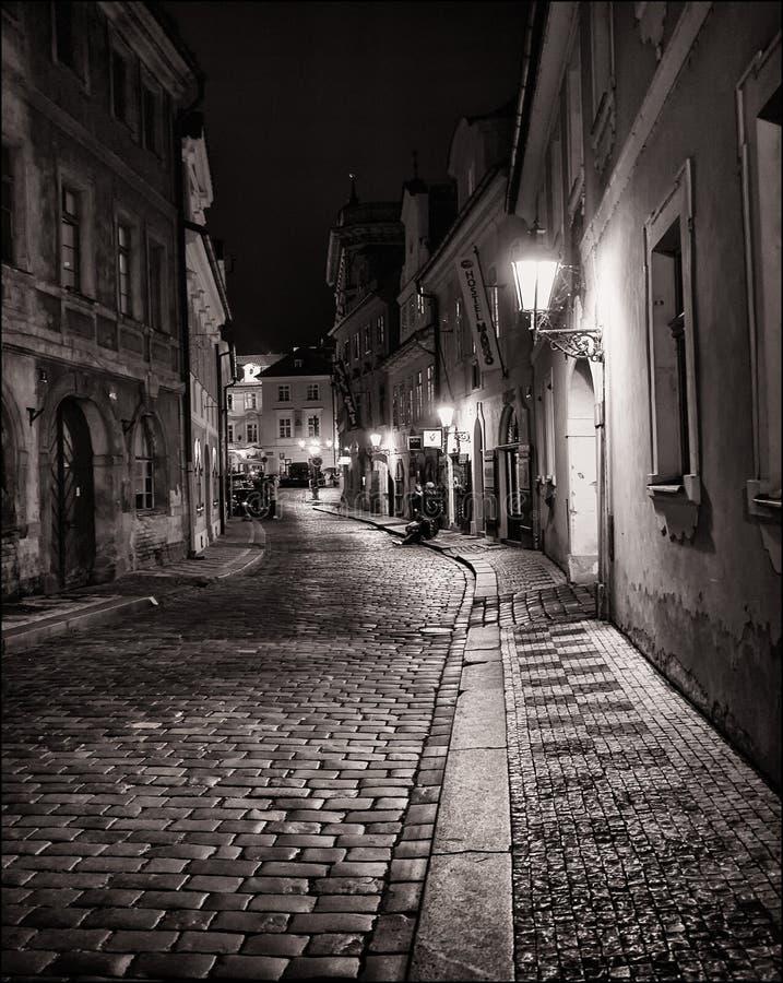 晚上 城市 灯笼 布拉格 免版税库存照片