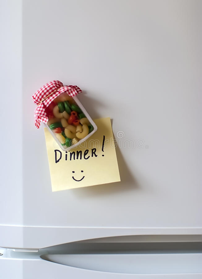 晚餐贴纸和磁铁在冰箱 免版税库存图片