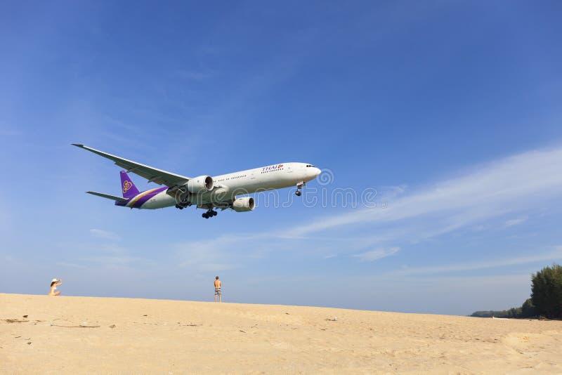 普吉岛泰国- 1月30-2017 :泰航飞机波音 图库摄影