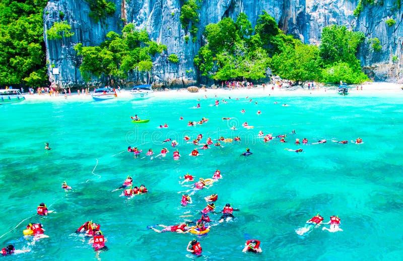 普吉岛海视图泰国小船和船 免版税库存图片