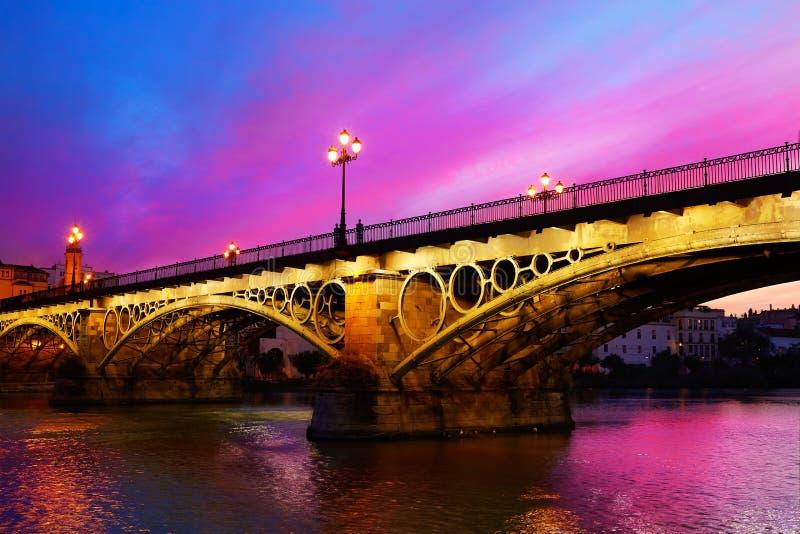 普恩特伊莎贝尔II桥梁Triana塞维利亚西班牙 库存图片