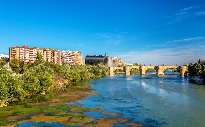 普恩特de彼德拉在萨瓦格萨,西班牙 免版税库存照片