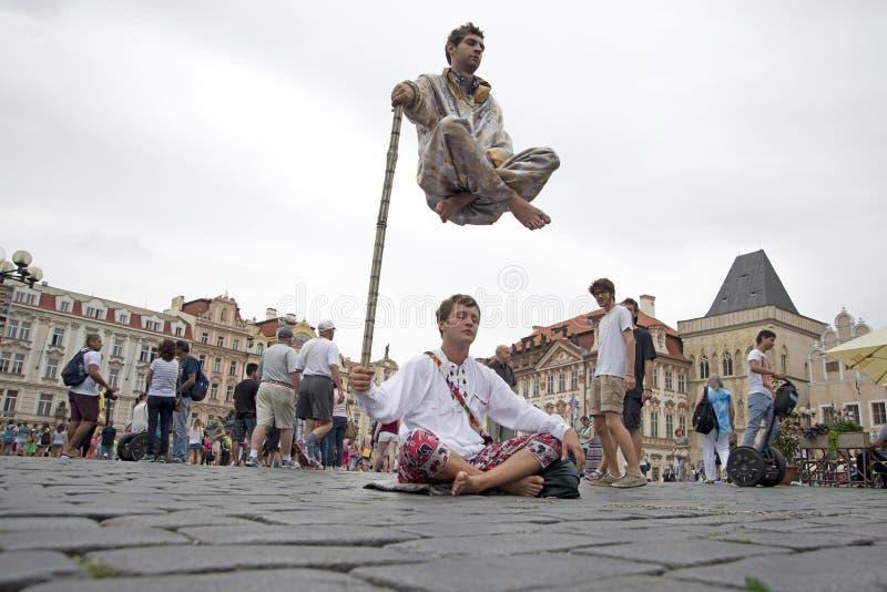 普拉哈,捷克, 2015年7月23日:在的街道表现 免版税库存图片